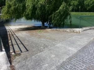 mise à l'eau place de la halle AAPPMA de Nogent-sur-Seine